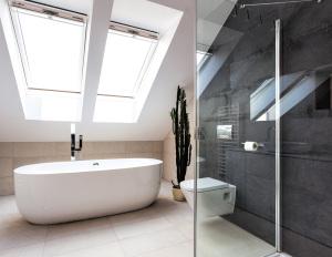 Dusche und Badezimmer Fliesenleger