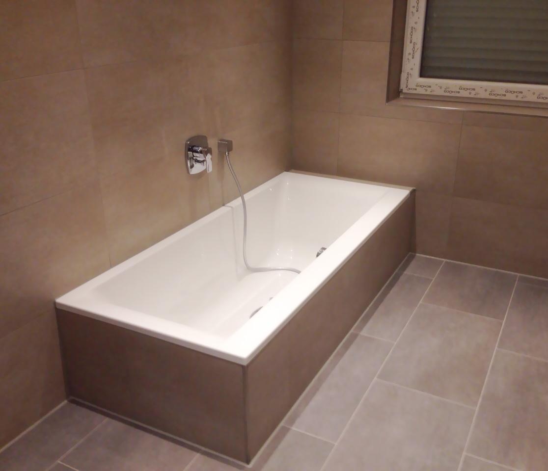 Großes Bad Mit Begehbarer Dusche Wintersohle Fliesendesign - Dusche große fliesen